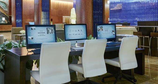 HH_lobbyworkstations01_26_675x359_FitToBoxSmallDimension_Center